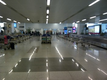 India,aiport,trolley,Mumbai,Delhi