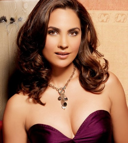 Lara-Dutta-to-sizzle-in-Don-2.jpg