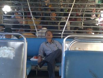 India,Bombay,Mumbai,Colaba,train